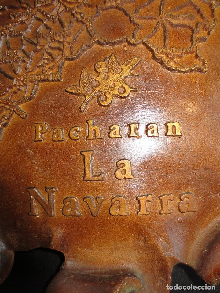 Coleccionismo de vinos y licores: RELOJ DE PARED EN RELIEVE CON PROPAGANDA DE PACHARAN LA NAVARRA - Foto 6 - 98929283