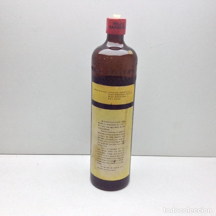 Coleccionismo de vinos y licores: ANTIGUA BOTELLA VELHO BARREIRO HOFER AGUARDIENTE DE CAÑA - Foto 3 - 100041255