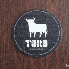 Coleccionismo de vinos y licores: POSAVASOS DE TORO, OSBORNE.. Lote 105365019