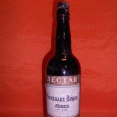 Coleccionismo de vinos y licores: BOTELLA DE VINO DE JEREZ GENEROSO PEDRO XIMENEZ NECTAR. BODEGAS GONZALEZ BYASS. JEREZ DE LA FRA.. Lote 101183275