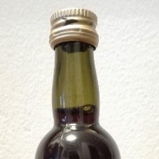 Coleccionismo de vinos y licores: MERITO.MARQUÉS DEL MÉRITO.BOTELLÍN ANTGUO. Lote 102272851