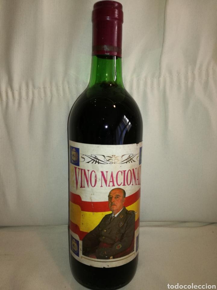 BOTELLA VINO HOMENAJE A FRANCO. (Coleccionismo - Botellas y Bebidas - Vinos, Licores y Aguardientes)