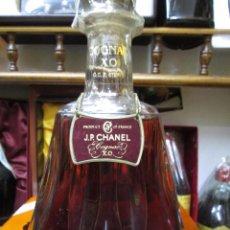 Coleccionismo de vinos y licores: ANTIGUA BOTELLA BRANDY COÑAC J.P.CHANEL X.O. DE IMPUESTO DE 8 PTS, DECADA DE LOS 80 PRODUCTO FRANCES. Lote 103786119