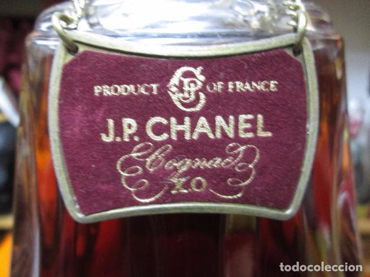 Coleccionismo de vinos y licores: ANTIGUA BOTELLA BRANDY COÑAC J.P.CHANEL X.O. DE IMPUESTO DE 8 PTS, DECADA DE LOS 80 PRODUCTO FRANCES - Foto 4 - 103786119