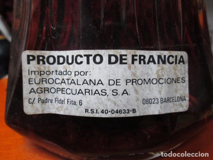Coleccionismo de vinos y licores: ANTIGUA BOTELLA BRANDY COÑAC J.P.CHANEL X.O. DE IMPUESTO DE 8 PTS, DECADA DE LOS 80 PRODUCTO FRANCES - Foto 5 - 103786119