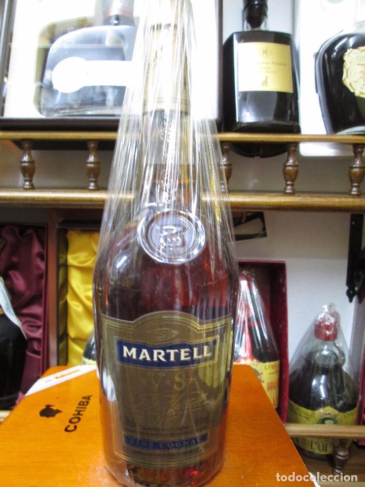 ANTIGUA BOTELLA BRANDY COÑAC, MARTELL V.S. FINE COGNAC FRANCIA (Coleccionismo - Botellas y Bebidas - Vinos, Licores y Aguardientes)