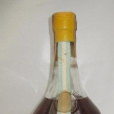 Coleccionismo de vinos y licores: BOTELLA GRANDE CREMA DE LIMA PEDRO DOMECQ. JEREZ DE LA FRONTERA . Lote 104553383
