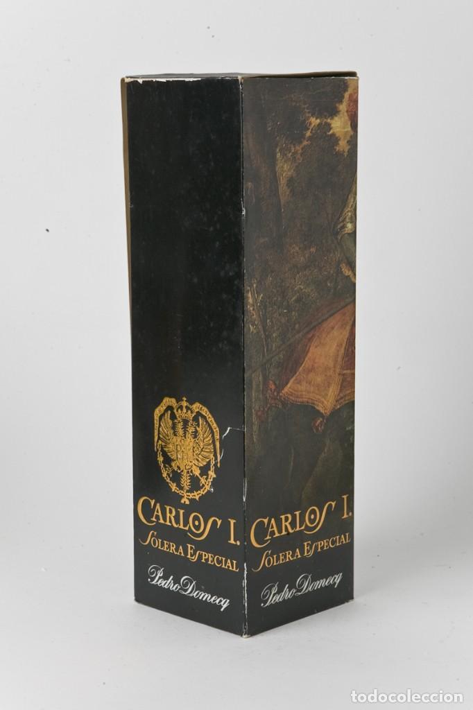 Coleccionismo de vinos y licores: CAJA BOTELLA BRANDY PEDRO DOMECQ, CARLOS I, SOLERA ESPECIAL - Foto 2 - 104824415