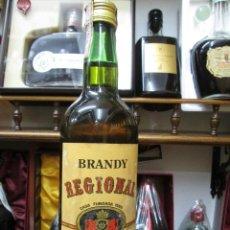 Coleccionismo de vinos y licores: ANTIGUA BOTELLA BRANDY COÑAC, REGIONAL 1889 DE IMPUESTO DE 4 PTS, DECADA AÑOS 60-70. Lote 106592291