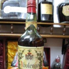 Coleccionismo de vinos y licores: ANTIGUA BOTELLA BRANDY COÑAC, ABOLENGO VIEJISIMO DE ROMATE IMPUESTO DE 80 CTS, DECADA 50-60. Lote 109197615