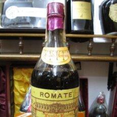 Coleccionismo de vinos y licores: ANTIGUA BOTELLA BRANDY COÑAC,CARDENAL CISNEROS RESERVA, IMPUESTO DE 4 PTS, DECADA 60-70. Lote 109392419