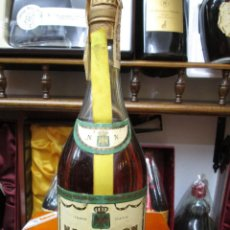 Coleccionismo de vinos y licores: ANTIGUA BOTELLA BRANDY COÑAC,NAPOLEÒN V.S.O.P. DE IMPUESTO DE 4 PTS, DECADA 60-70 ESPAÑA. Lote 109393531