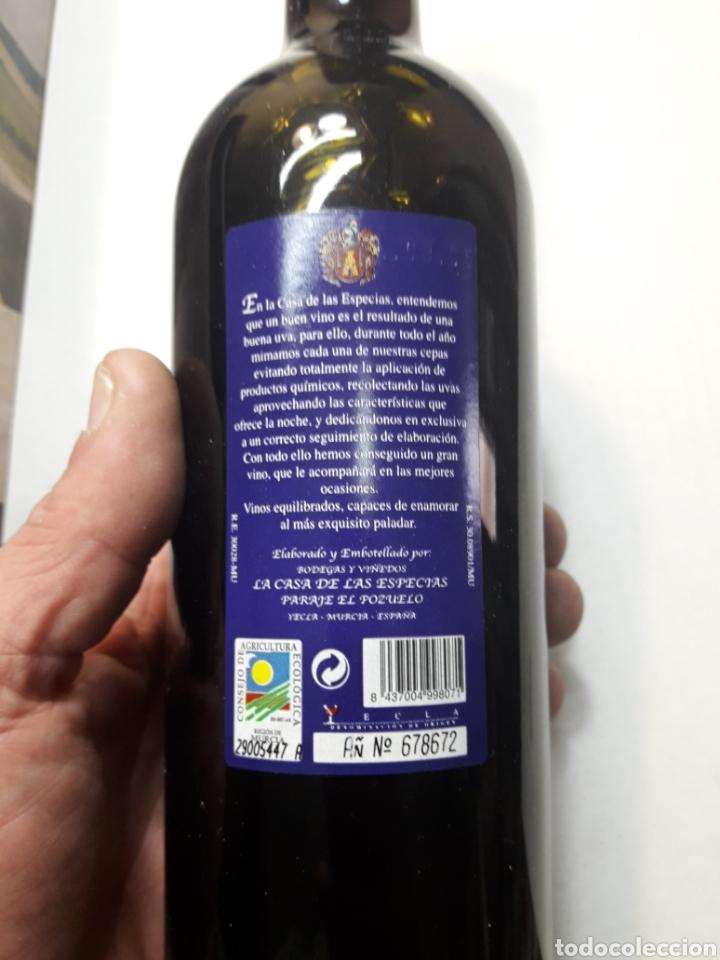 Coleccionismo de vinos y licores: Botella de vino Casa Especias Yecla 2004 - Foto 3 - 110029467