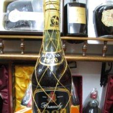 Coleccionismo de vinos y licores: ANTIGUA BOTELLA BRANDY COÑAC, CENTENARIO TERRY 1900 RESERVA IMPUESTO DE 8 PTS, DECADA 70-80 . Lote 110666479