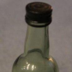 Coleccionismo de vinos y licores: BOTELLÍN VACIO DE BRANDY EMINENCIA. 65CC. PALOMINO & VERGARA. JEREZ. Lote 110937143