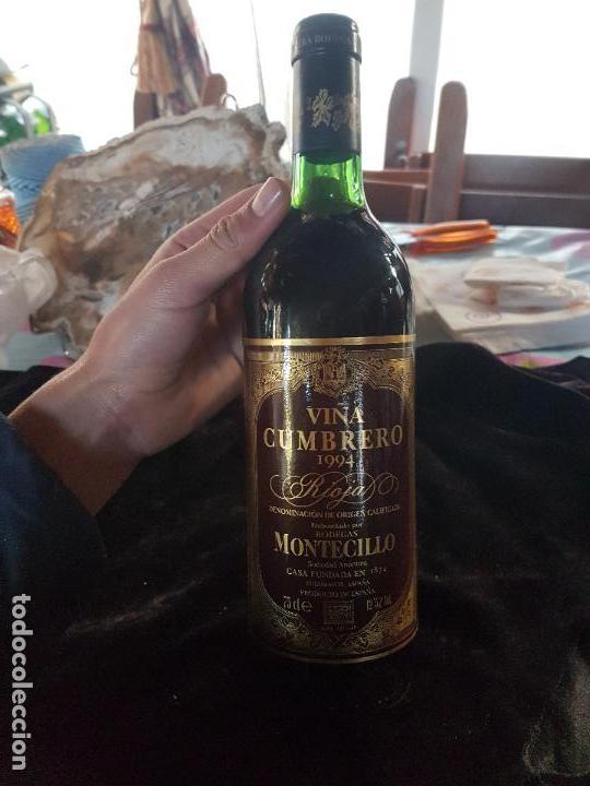Coleccionismo de vinos y licores: CURIOSA Y ANTIGUA BOTELLA DE VINO RIOJA VILLACUMBREÑO MONTECILLO DEL AÑO 1994. - Foto 3 - 111365635