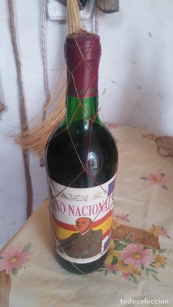 BOTELLA DE VINO NACIONAL FRANCISCO FRANCO (Coleccionismo - Botellas y Bebidas - Vinos, Licores y Aguardientes)