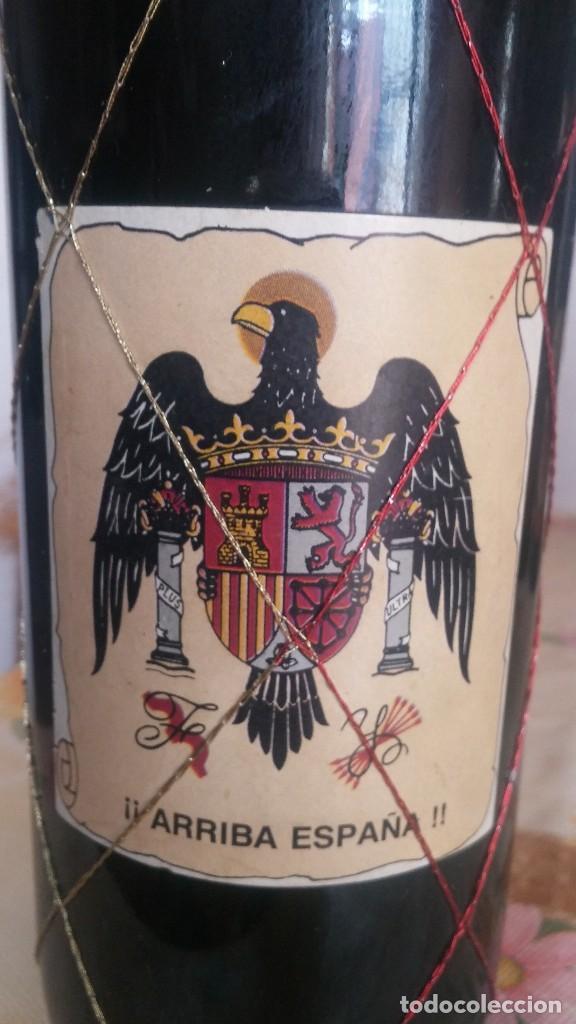 Coleccionismo de vinos y licores: Botella de Vino Nacional Francisco Franco - Foto 3 - 111983543