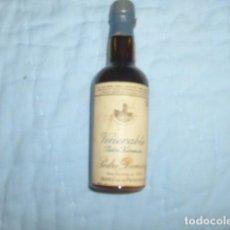 Coleccionismo de vinos y licores: BOTELLITA VENERABLE , PEDRO XIMENEZ , PEDRO DOMECQ. Lote 113205075