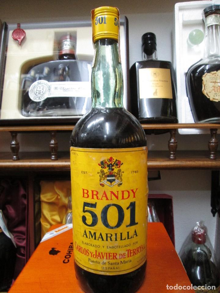 ANTIGUA BOTELLA BRANDY COÑAC, 501 AMARILLA 1783 DE IMPUESTO DE 4 PTS, DECADA 60-70 (Coleccionismo - Botellas y Bebidas - Vinos, Licores y Aguardientes)