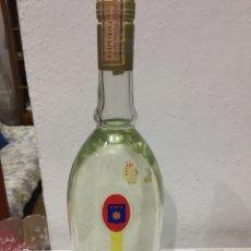 Coleccionismo de vinos y licores: BOTELLA ANTIGUA ANISETTE BENDOR. Lote 114687488