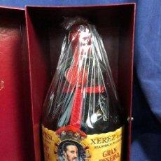 Coleccionismo de vinos y licores: BRANDY DE LUXE GRAN RESERVA GRAN DUQUE DE ALBA DIEZ MERITO S.A. XEREZ JEREZ NUEVA CAJA FIELTRO ROJO . Lote 114968651