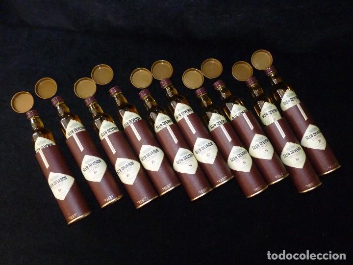 Coleccionismo de vinos y licores: CAJA CON 10 BOTELLINES DE WHISKY GLEN DEVERON 10 AÑOS. 5 cl.. ESTUCHADOS. PERFECTOS. MINIATURAS - Foto 7 - 115567875