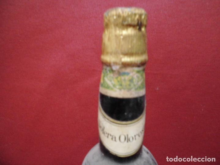 Coleccionismo de vinos y licores: magnifica antigua botella llena de vino,vinos especiales de los moriles y montilla - Foto 4 - 117237671