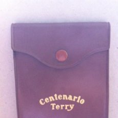 Coleccionismo de vinos y licores: ANTIGUO LISTÍN TELÉFONICO NOTAS CENTENARIO TERRY. MATERIAL PUBLICITARIO. ORIGINAL DE 1950-60S. Lote 117301399