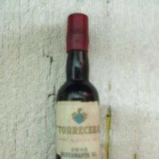 Coleccionismo de vinos y licores: BOTELLIN JEREZ OLOROSO TORRECILLA. BODEGAS JOSE BUSTAMANTE. JEREZ RF-5391. Lote 118883311