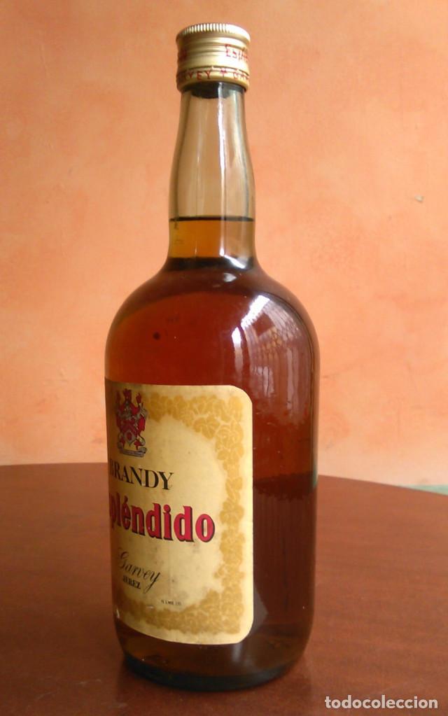Coleccionismo de vinos y licores: Botella de Brandy Espléndido. Bodegas Garvey, Jerez. Años 70. - Foto 3 - 148519866