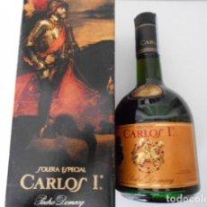 Coleccionismo de vinos y licores: BOTELLA BRANDY CARLOS I SOLERA ESPECIAL CON PRECINTO DE HACIENDA DE 8 PESETAS. Lote 119970435