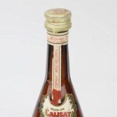 Coleccionismo de vinos y licores: BOTELLÍN / BOTELLA MINIATURA - CALISAY - ARENYS DE MAR - DESTILERIAS MOLLFULLEDA - SELLO 1 PTA. Lote 121354999