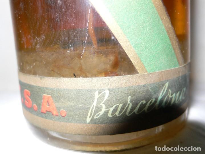 Coleccionismo de vinos y licores: ANTIGUA BOTELLA DE BRANDY (COÑAC) ESCARCHADO E.J.ESCAT - Foto 3 - 122120735