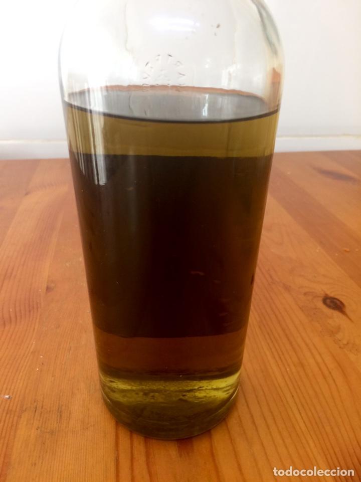 Coleccionismo de vinos y licores: Chartreuse botella, Tarragona verde, casi llena - Foto 5 - 122190939