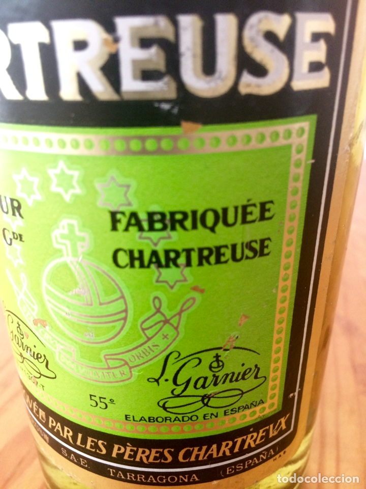 Coleccionismo de vinos y licores: Chartreuse botella, Tarragona verde, casi llena - Foto 7 - 122190939