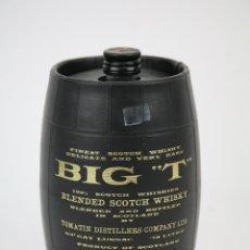 Coleccionismo de vinos y licores: BOTELLA DE WHISKY - BIG T, BARRIL. BLENDED SCOTCH WHISKY - 75 CL. - PRECINTADA - AÑO 1971 - #JSW. Lote 124598319