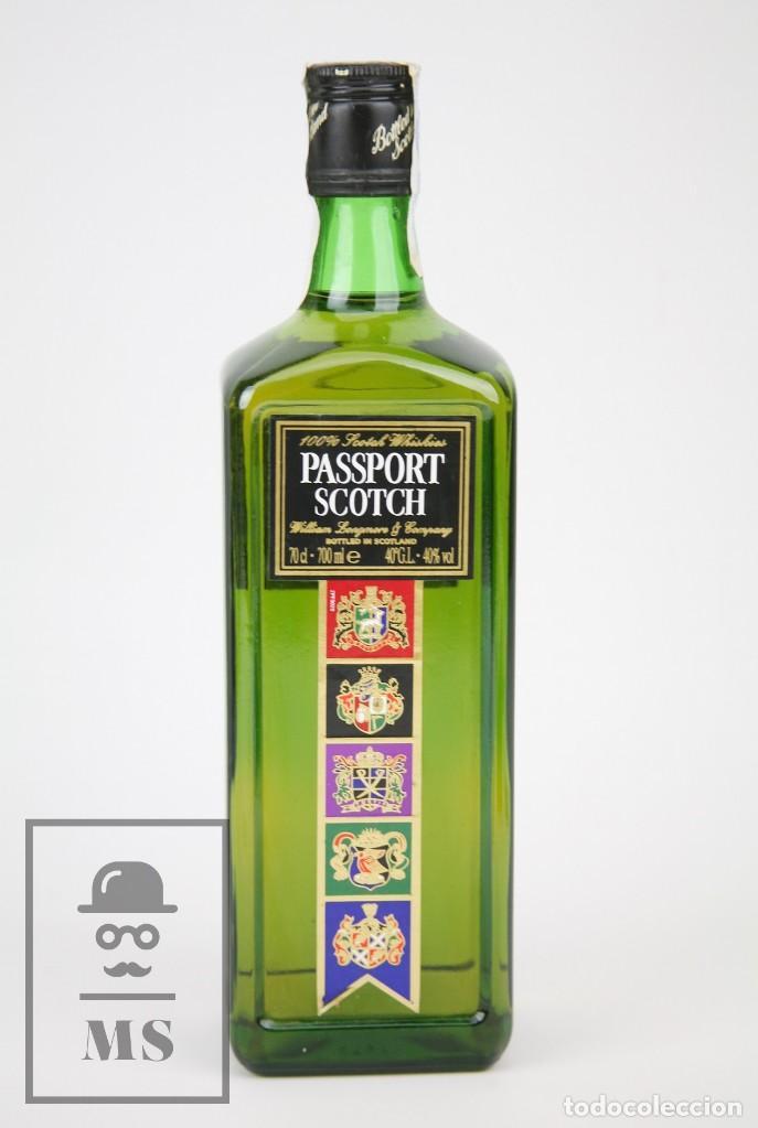 BOTELLA DE WHISKY PRECINTADA - PASSPORT SCOTCH, 40º, 70 CL. BLENDED SCOTCH WHISKY - AÑO 1999 - #JSW (Coleccionismo - Botellas y Bebidas - Vinos, Licores y Aguardientes)