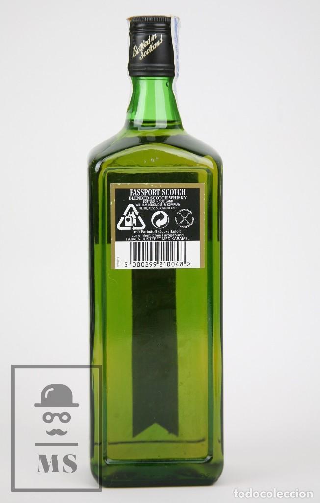 Coleccionismo de vinos y licores: Botella de Whisky Precintada - Passport Scotch, 40º, 70 cl. Blended Scotch Whisky - Año 1999 - #JSW - Foto 3 - 124719871