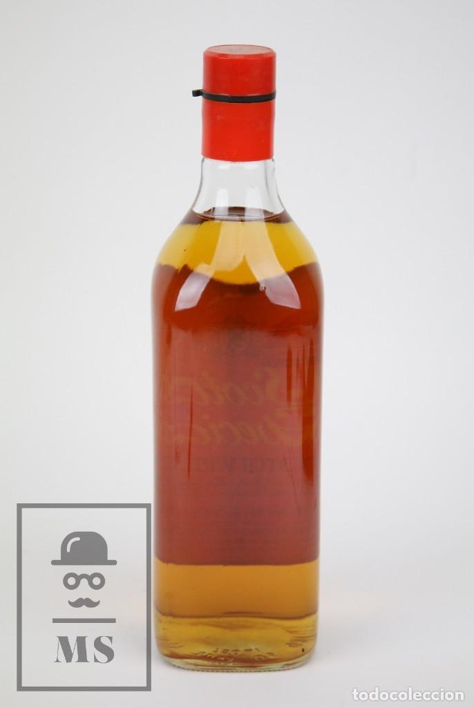 Coleccionismo de vinos y licores: Botella de Whisky Precintada - Scott's Special, 43º, 75 cl - Blended Scotch Whisky - Año 1976 - #JSW - Foto 3 - 124733607