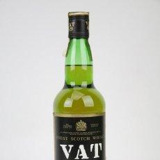 Coleccionismo de vinos y licores: BOTELLA DE WHISKY PRECINTADA - VAT 69, 40º, 70 CL - BLENDED SCOTCH WHISKY - AÑO 1999 - #JSW. Lote 125032867