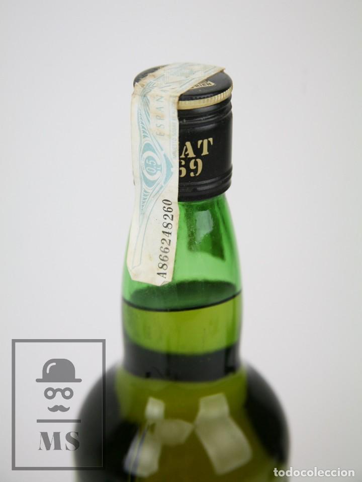 Coleccionismo de vinos y licores: Botella de Whisky Precintada - VAT 69, 40º, 70 cl - Blended Scotch Whisky - Año 1999 - #JSW - Foto 2 - 125032867