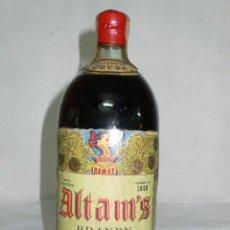 Coleccionismo de vinos y licores: ANTIGUA Y EXCEPCIONAL BOTELLA BRANDY ALTAM'S ETIQUETA VERDE. Lote 125137015