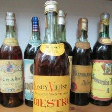 Coleccionismo de vinos y licores: ANTIGUA BOTELLA BRANDY COÑAC, DIESTRO VIEJISIMO DE IMPUESTO DE 4 PTS. DECADA 70-80. Lote 125827227