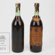 Coleccionismo de vinos y licores: 2 ANTIGUAS BOTELLAS LLENAS - BRANDY TERRY CENTENARIO, 1 L - PUERTO DE STA. MARÍA, CÁDIZ - #CCB. Lote 128597675