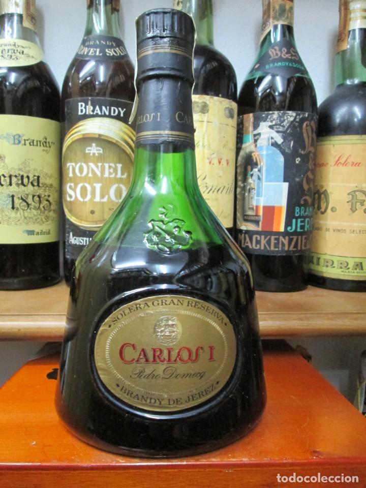 ANTIGUA BOTELLA BRANDY COÑAC,CARLOS I SOLERA GRAN RESERVA DE PEDRO DOMECG (Coleccionismo - Botellas y Bebidas - Vinos, Licores y Aguardientes)