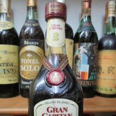 Coleccionismo de vinos y licores: ANTIGUA BOTELLA BRANDY COÑAC, GRAN CAPITAN SOLERA GRAN RESERVA , DE BOBADILLA. Lote 130561878