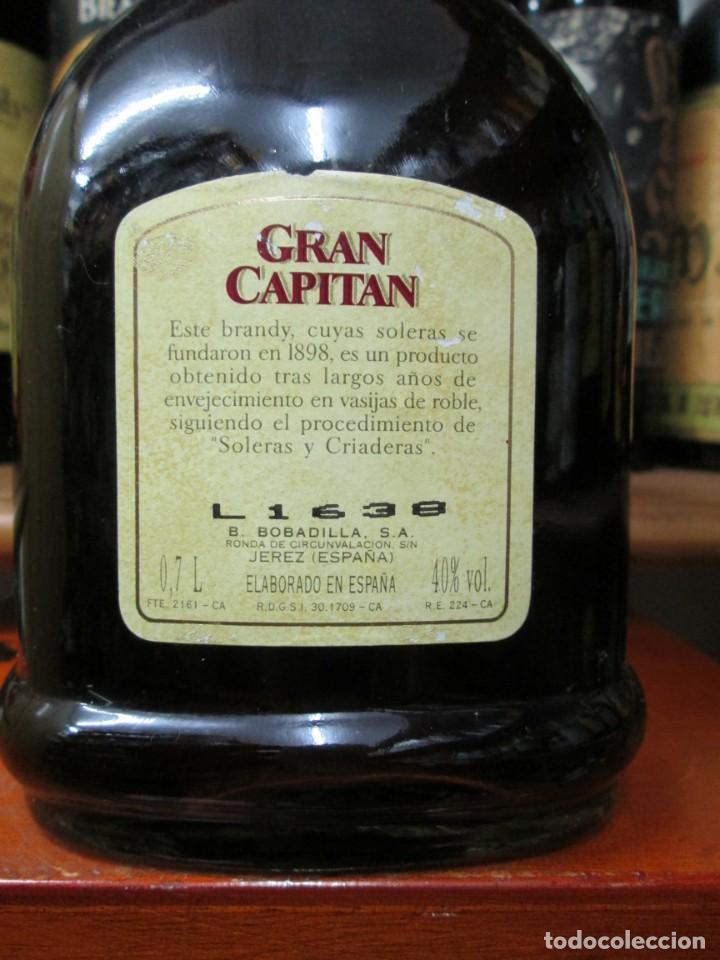 Coleccionismo de vinos y licores: ANTIGUA BOTELLA BRANDY COÑAC, GRAN CAPITAN SOLERA GRAN RESERVA , DE BOBADILLA - Foto 3 - 130561878