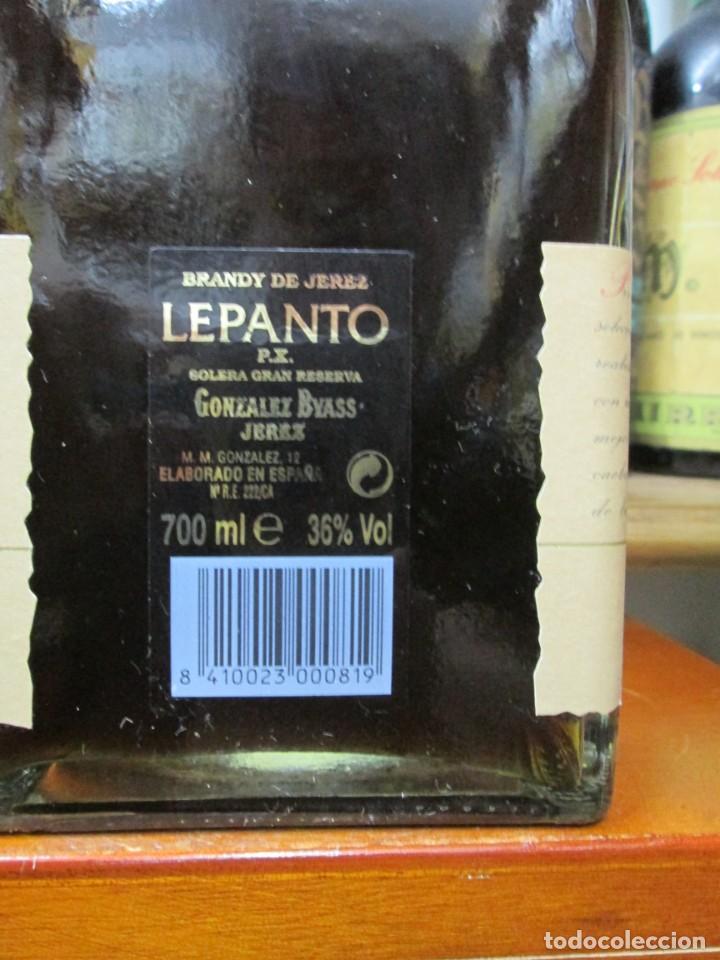 Coleccionismo de vinos y licores: ANTIGUA BOTELLA BRANDY COÑAC, LEPANTO P.X. DE GONZALEZ BYASS - Foto 3 - 130562462
