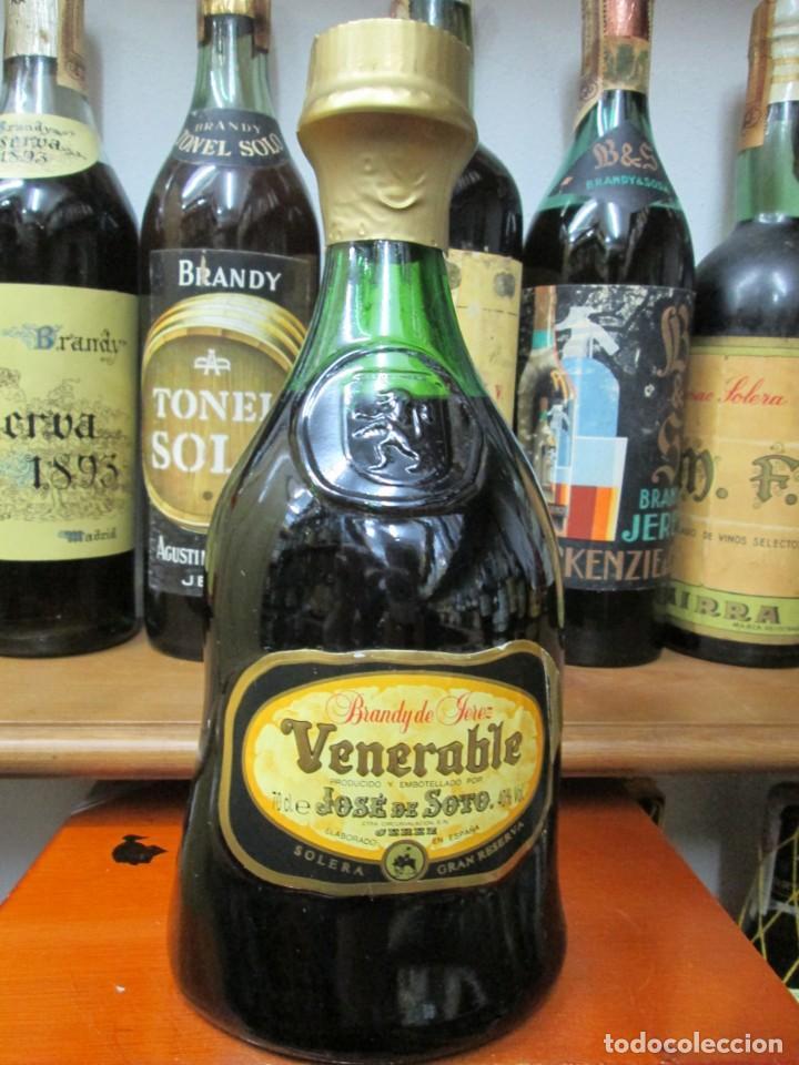 ANTIGUA BOTELLA BRANDY COÑAC, VENERABLE, SOLERA GRAN RESERVA, DE JOSE DE SOTO (Coleccionismo - Botellas y Bebidas - Vinos, Licores y Aguardientes)